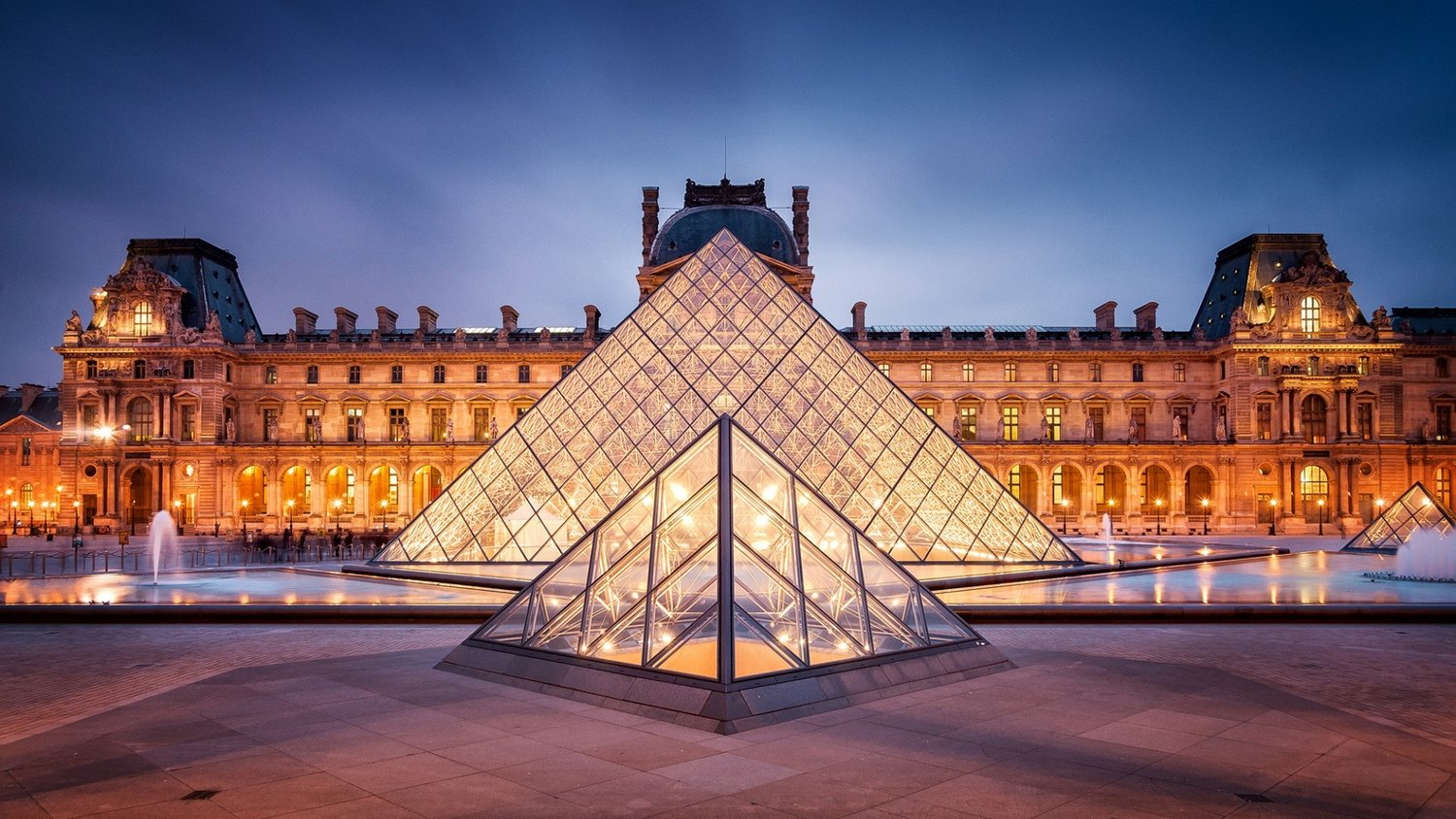 The World's Most Exquisite Museum: The Louvre